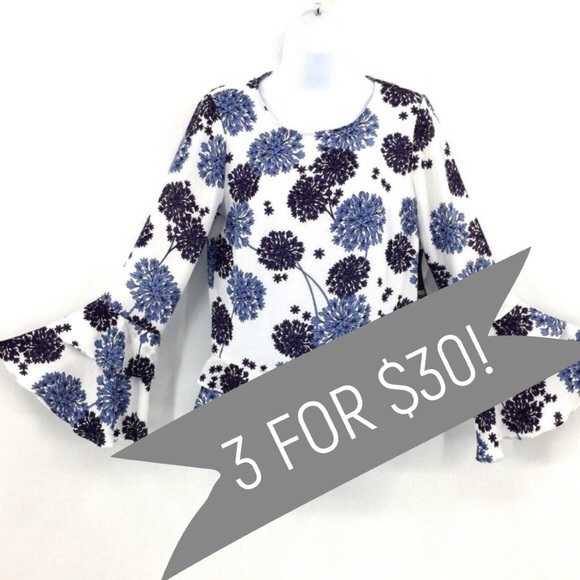 a.n.a Tops - ANA Dandelion Floral Blouse Top Size XS NWT $59